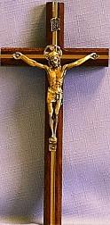 TRADITIONAL CRUCIFIX.  46-136.