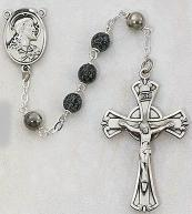 GREEN/BLACK AND SILVER ROSARY.  587D/F.