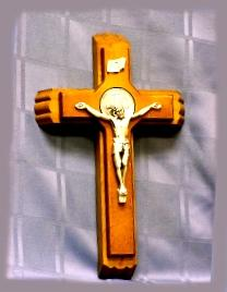SICKCALL CRUCIFIX SET. No. 7942659.