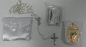 FIRST COMMUNION ROSARY.  (girl). 521001