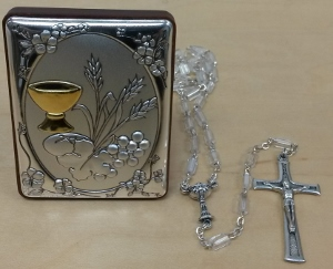 FIRST COMMUNION ROSARY AND PLAQUE SET (girl)